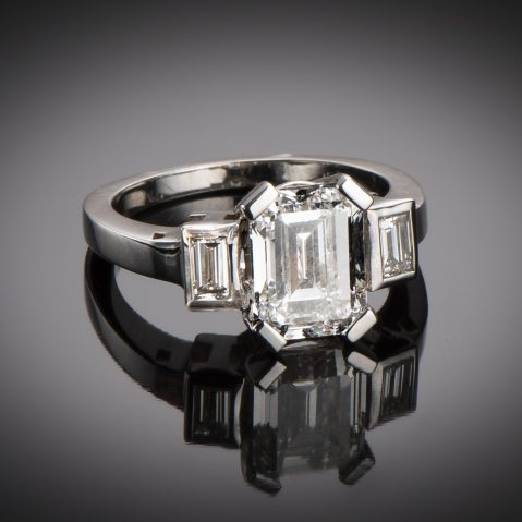Bague solitaire diamant rectangle 3,03 carats (certificat LFG)