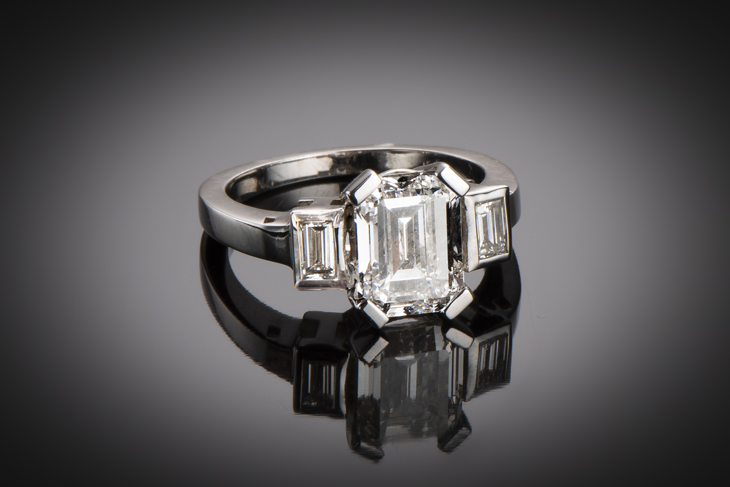 Bague solitaire diamant rectangle 3,03 carats (certificat LFG)-1