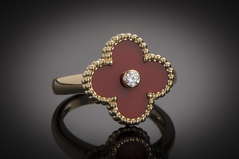 New York artisanat de qualité soldes Bague Van Cleef & Arpels - Alhambra - Diamant - Cornaline