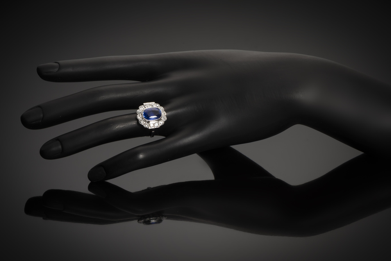 Bague Art Déco saphir naturel bleu intense (3,92 carats, certificat CGL) diamants-3