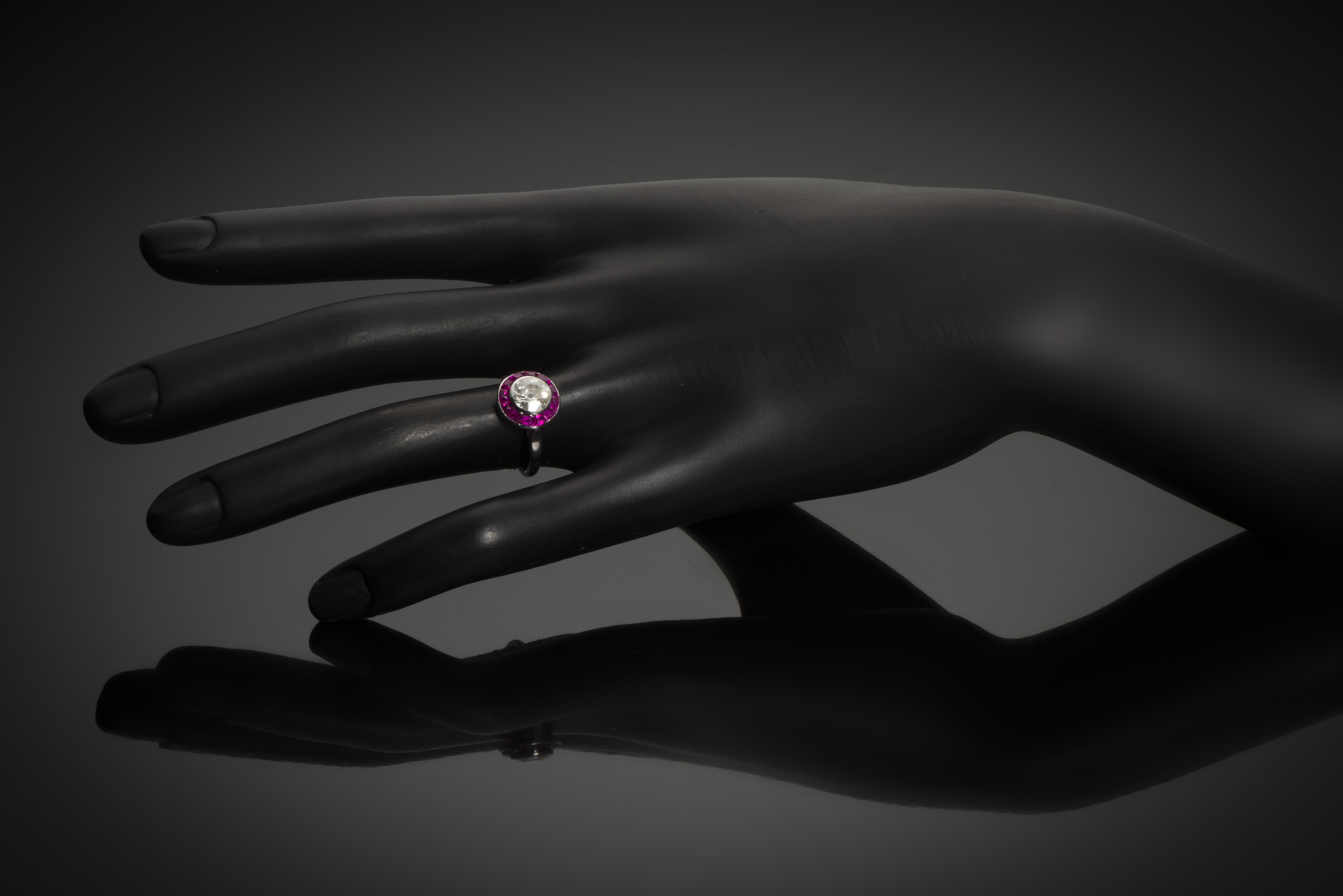 Bague Art Déco diamant (1,60 carat) rubis calibrés-2