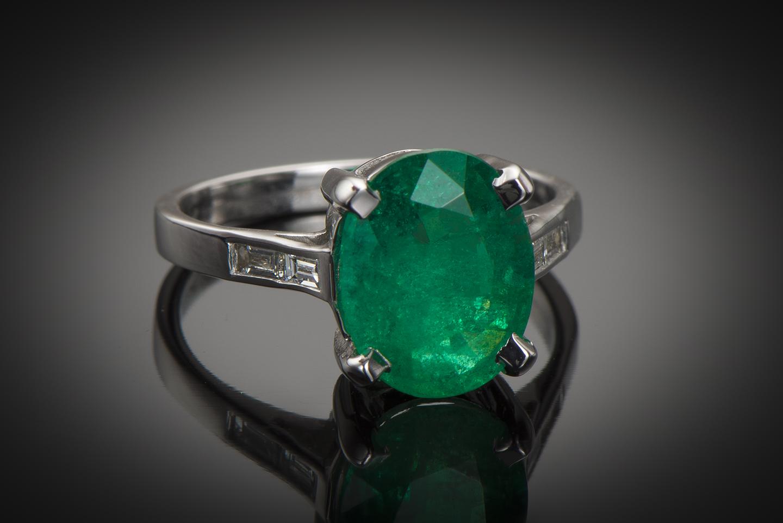 Bague émeraude vert intense (3,26 carats – Certificat CGL) diamants-1