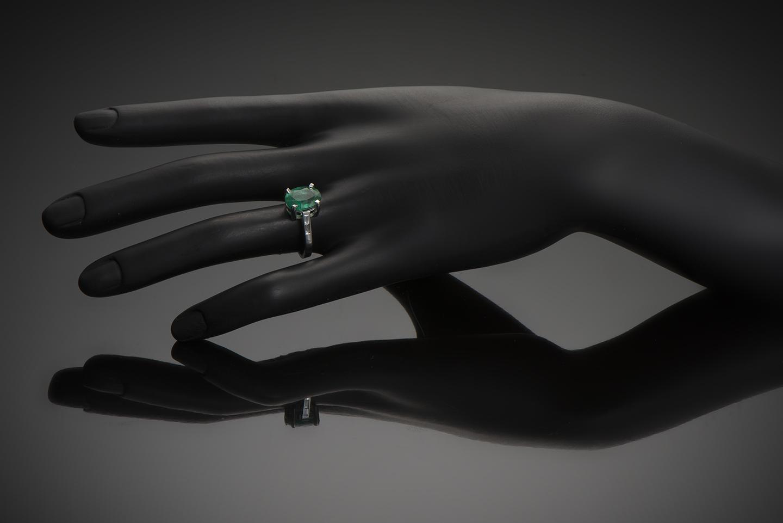 Bague émeraude vert intense (3,26 carats – Certificat CGL) diamants-2