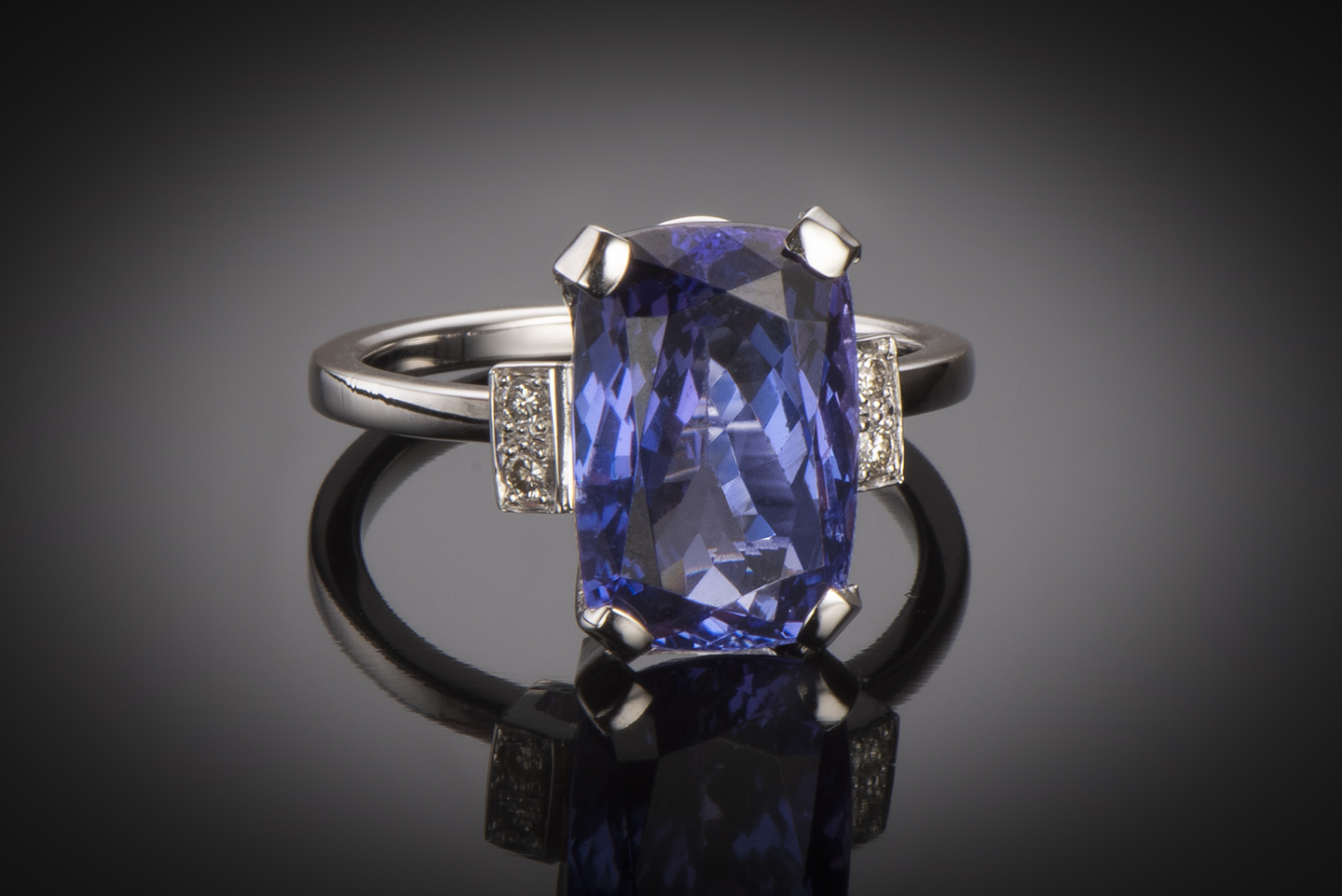 Bague tanzanite (6,90 carats) diamants-1