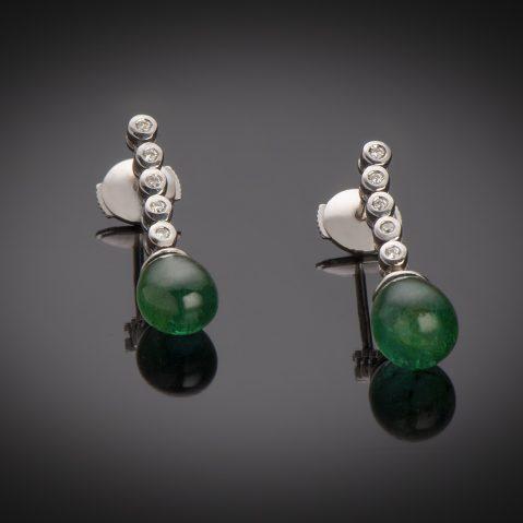 Boucles d'oreilles émeraudes cabochon diamants