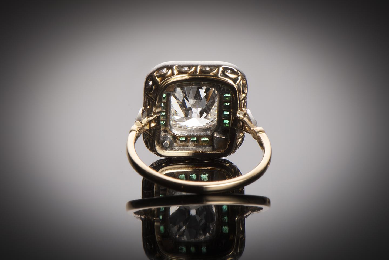 Bague diamants (centre de 2,80 carats) et émeraudes vers 1910 – 1920 (poinçon : tête de cheval)-2