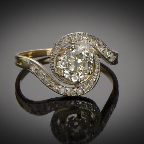 Bague « tourbillon » diamant central de 1,10 carat fin XIXe siècle
