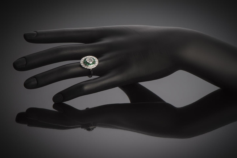 Bague diamants émeraudes calibrées Art Déco (vers 1930)-3