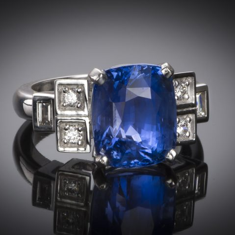 Bague saphir coussin naturel bleu intense (8,49 carats – Certificat CGL) diamants