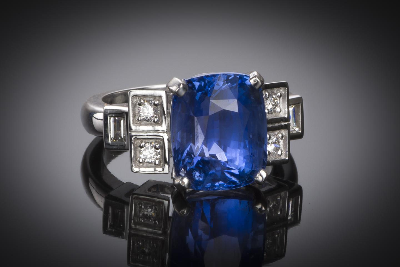 Bague saphir coussin naturel bleu intense (8,49 carats – Certificat CGL) diamants-1
