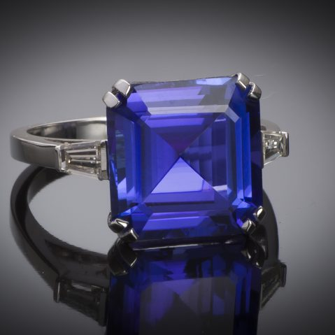 Bague tanzanite (8,13 carats) diamants