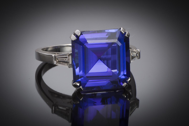 Bague tanzanite (8,13 carats) diamants-1