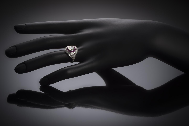 Bague Art Déco diamants (2,30 carats dont centre 1,10 carat) rubis-2