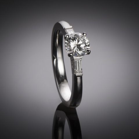 Bague solitaire platine diamant brillant 1 carat E VVS1 (certificat LFG)