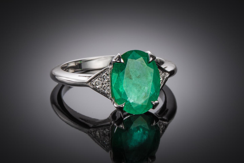 Bague émeraude vert intense (2,07 carats – Certificat CGL) diamants-1