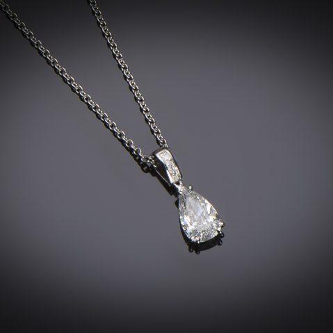 Pendentif et sa chaine diamant poire (1,02 carat – certificat LFG ESI1)