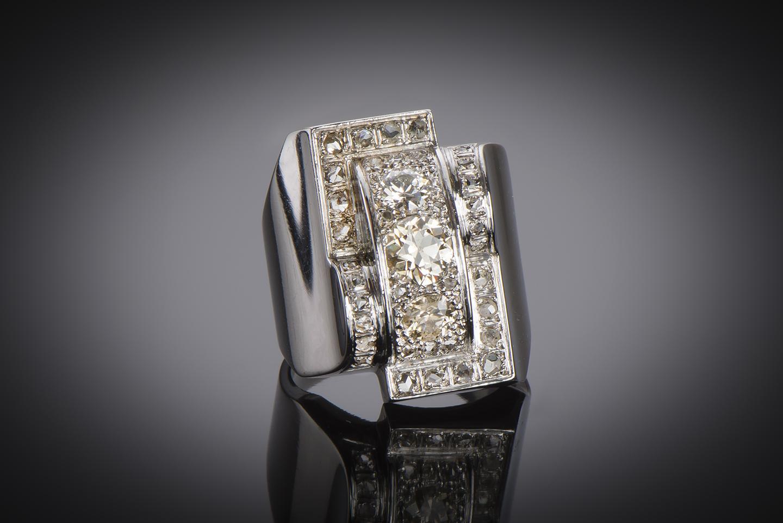 Bague moderniste vers 1935 diamants-1