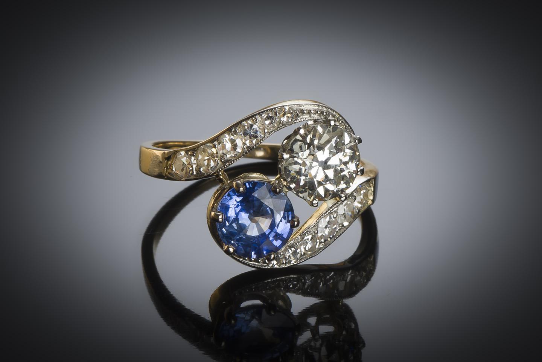 Bague « vous & moi » diamant (principal 1,40 carat) saphir (1,30 carat) vers 1900-1