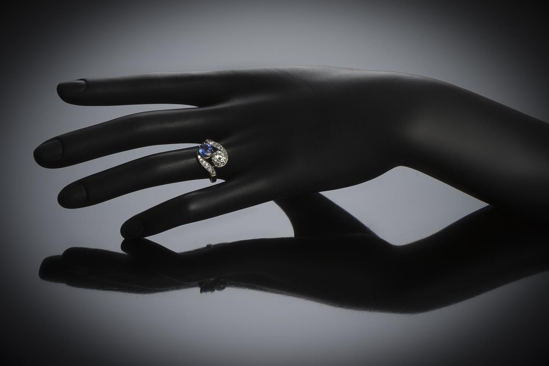 Bague « vous & moi » diamant (principal 1,40 carat) saphir (1,30 carat) vers 1900-2
