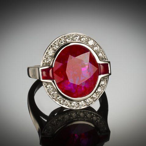 Bague rubis naturel 6,41 carats (certificat LFG) diamants