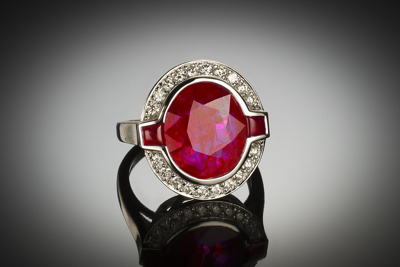 Bague rubis naturel 6,41 carats (certificat LFG) diamants-1