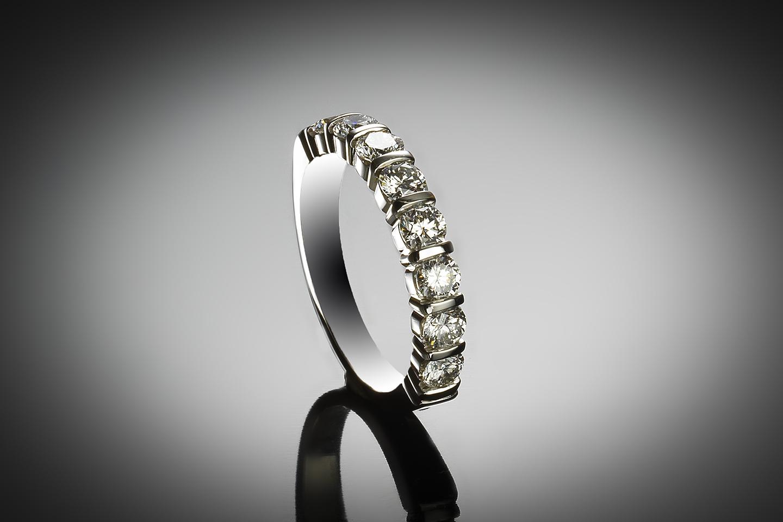 Demi-alliance diamants (Certificat IGI D-E VS2-SI1)-1