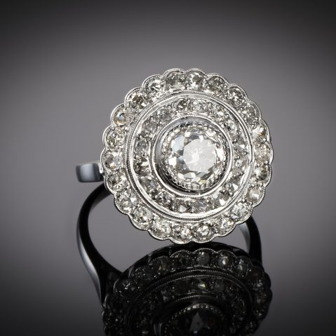 Bague Art Déco diamants (3 carats, centre 1,40 carat)