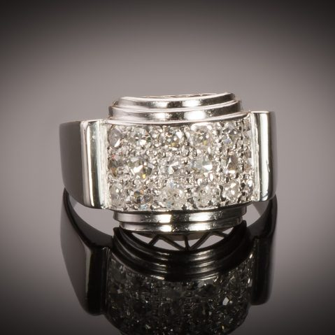 Bague moderniste vers 1935 diamants
