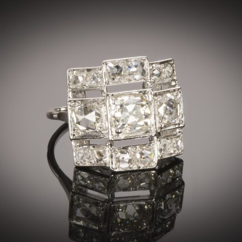 Bague Art Déco diamants (2,20 carats, centre 1,03 carat)