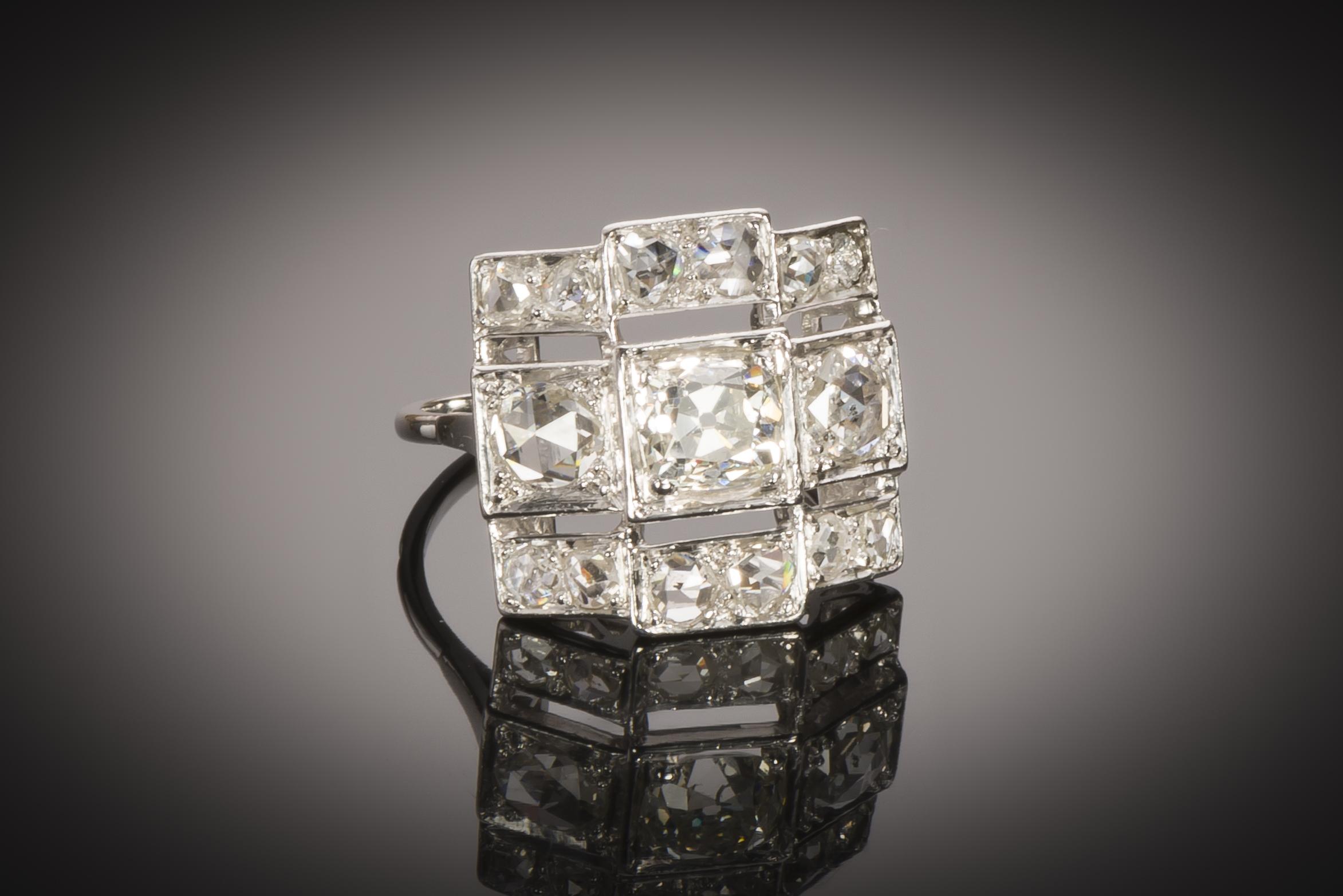 Bague Art Déco diamants (2,20 carats, centre 1,03 carat)-1