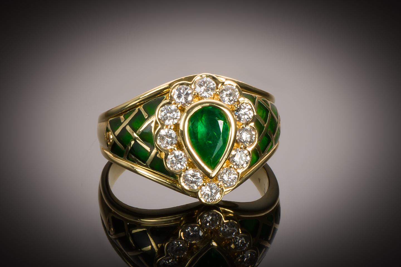 Bague vintage émaillée émeraude diamants-1