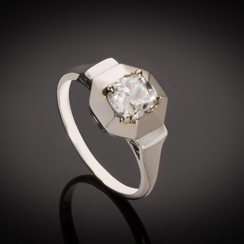 Solitaire diamant coussin taille ancienne 1,04 carat (certificat LFG – H VS2) Art Déco