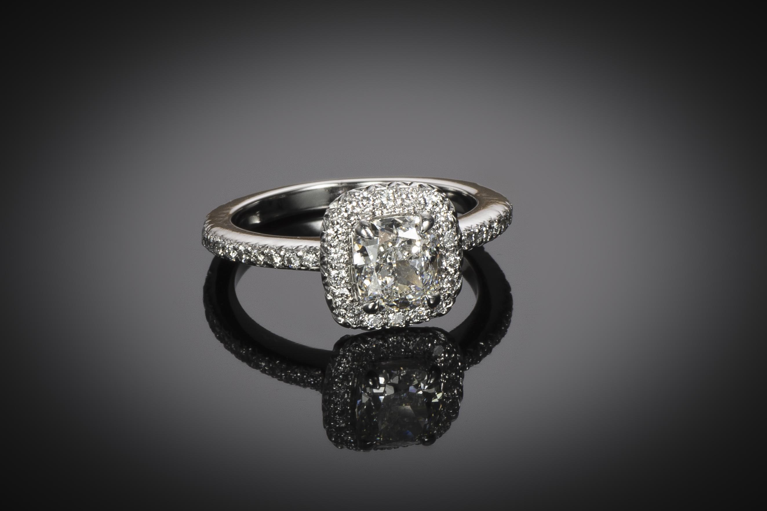 Bague diamant coussin 1,05 carat (certificat GIA – G VS1)-1
