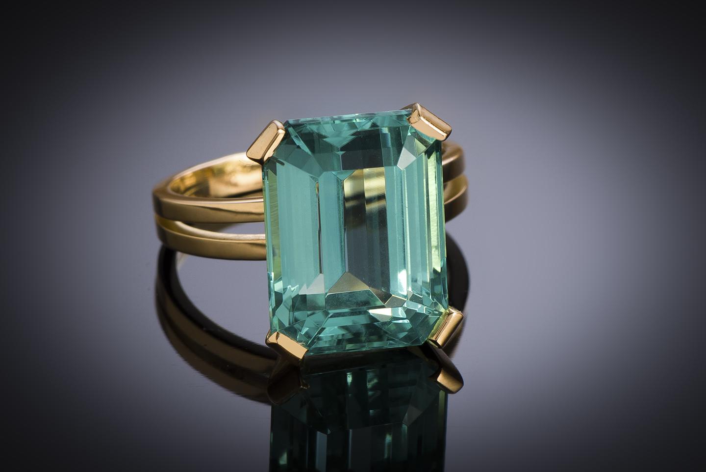 Bague tourmaline, bleu vert intense de 10,64 carats (certificat laboratoire CGL), vers 1950-1