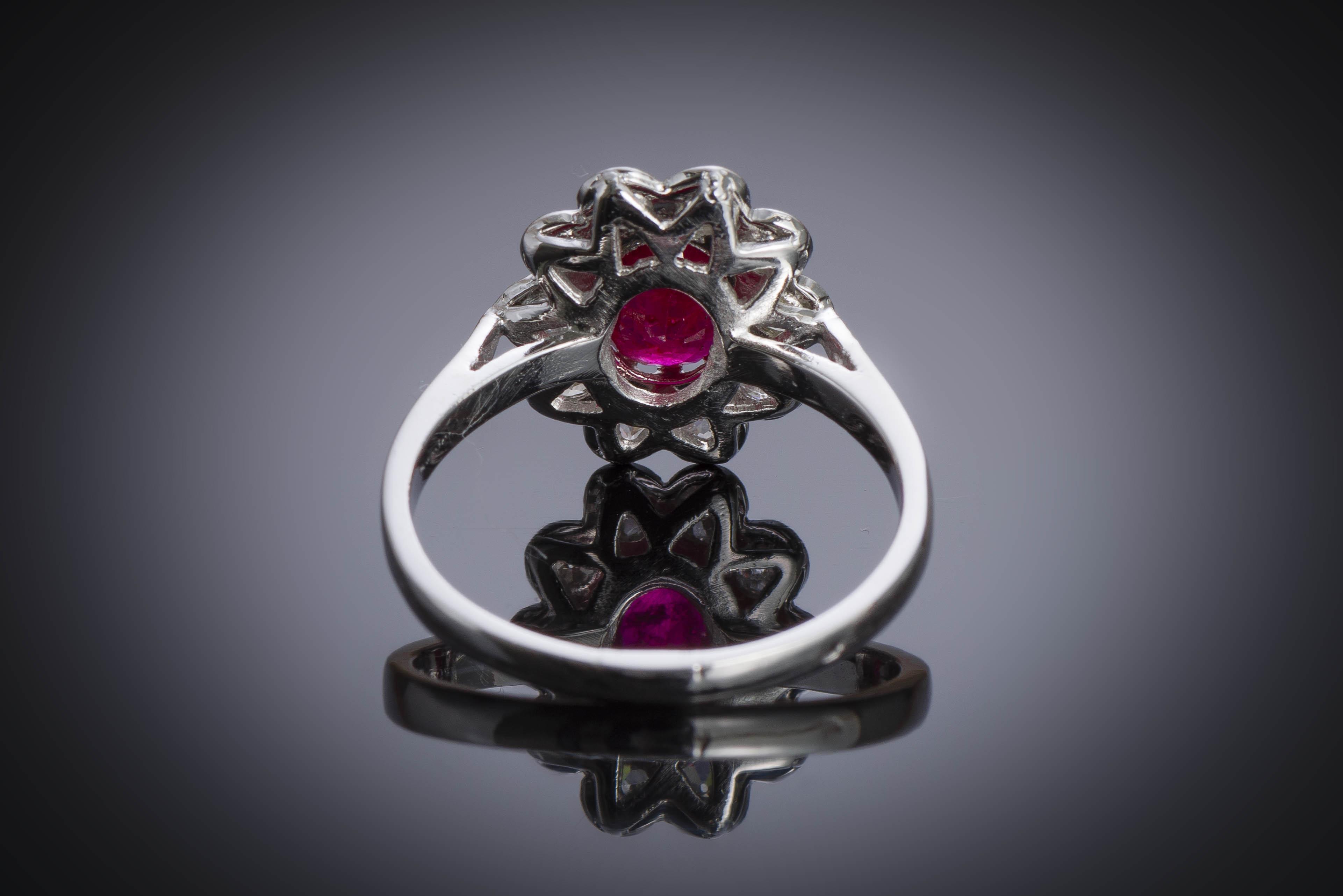 Bague vintage rubis, rouge intense (certificat laboratoire CGL) diamants, vers 1950-2