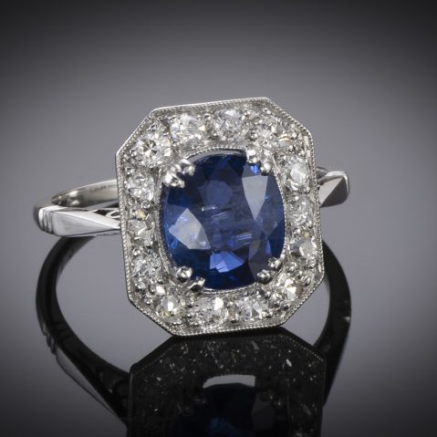 Bague Art Déco saphir birman naturel bleu intense (certificat laboratoire) diamants