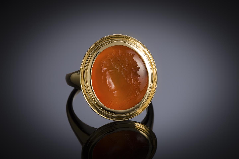 Bague intaille sur cornaline figurant un profil masculin à l'antique-1