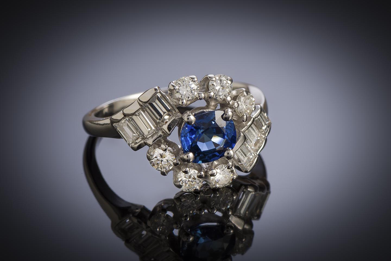 Bague vintage saphir birman naturel (certificat Gem Paris) diamants, vers 1960-1