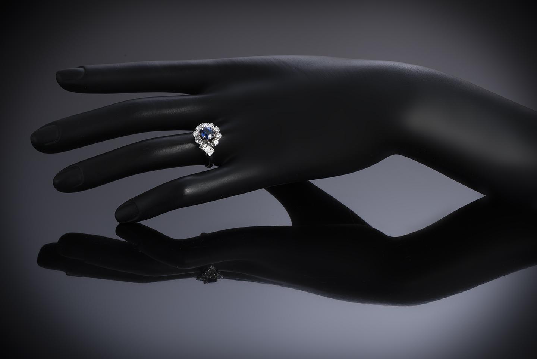 Bague vintage saphir birman naturel (certificat Gem Paris) diamants, vers 1960-2