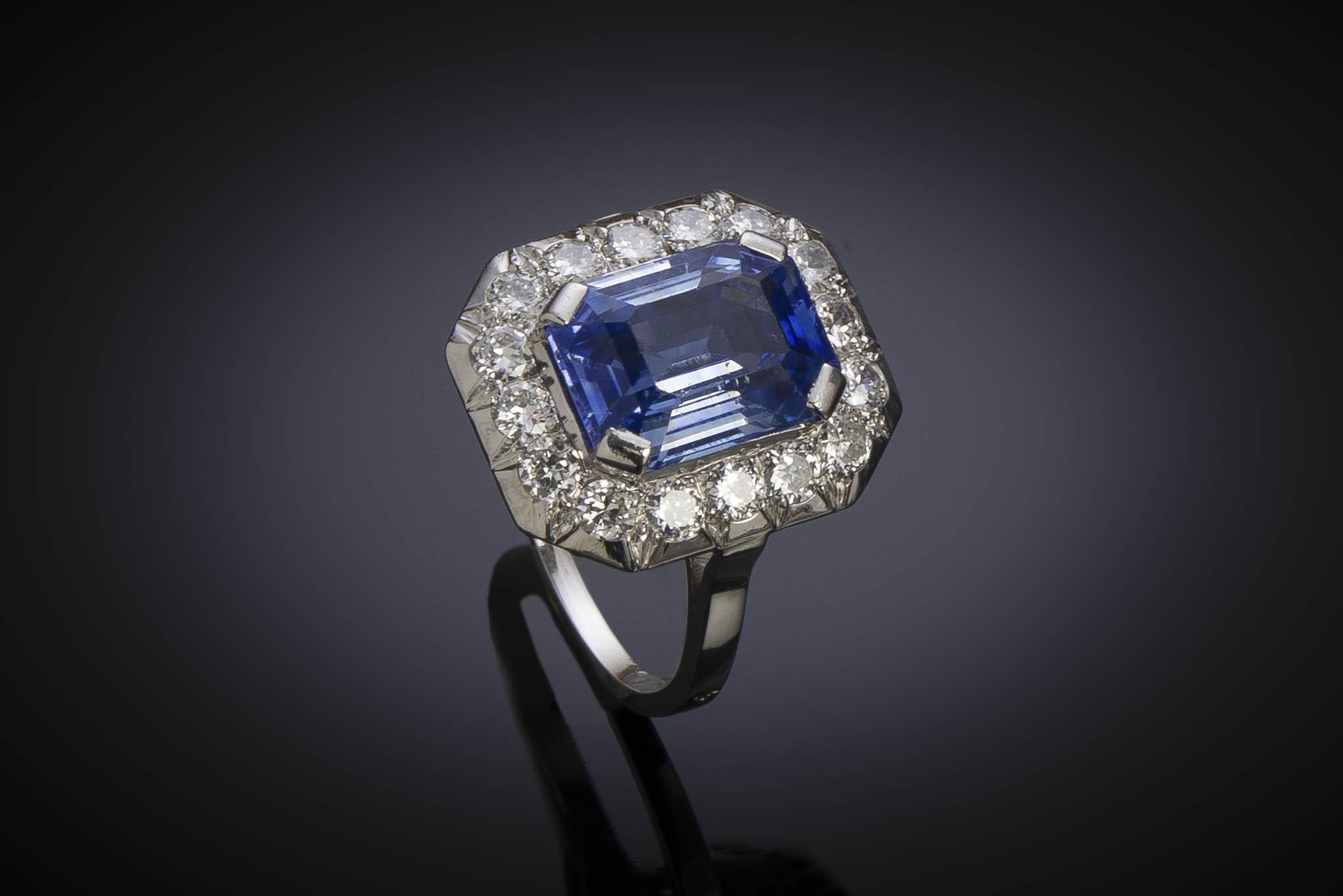 Bague Art Déco saphir naturel bleu intense (5,40 carats, certificat CGL) diamants-2