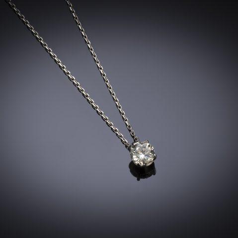 Pendentif et sa chaine diamant brillant (0,90 carat – certificat HRD)