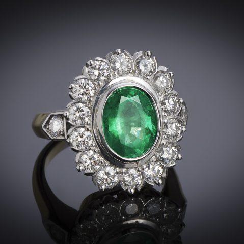 Bague émeraude vert intense (2,47 carats – Certificat CGL) diamants (1,50 carat)