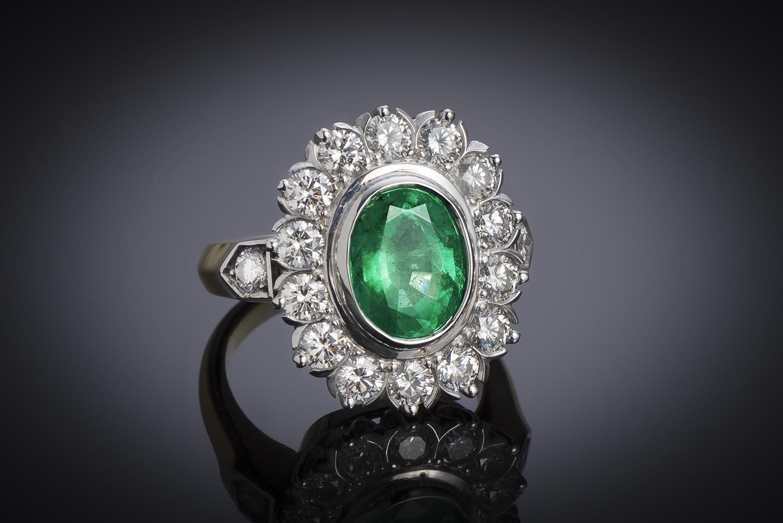 Bague émeraude vert intense (2,47 carats – Certificat CGL) diamants (1,50 carat)-1