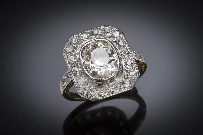 Bague diamants (3,30 carats, centre de 2,30 carats) vers 1920-1