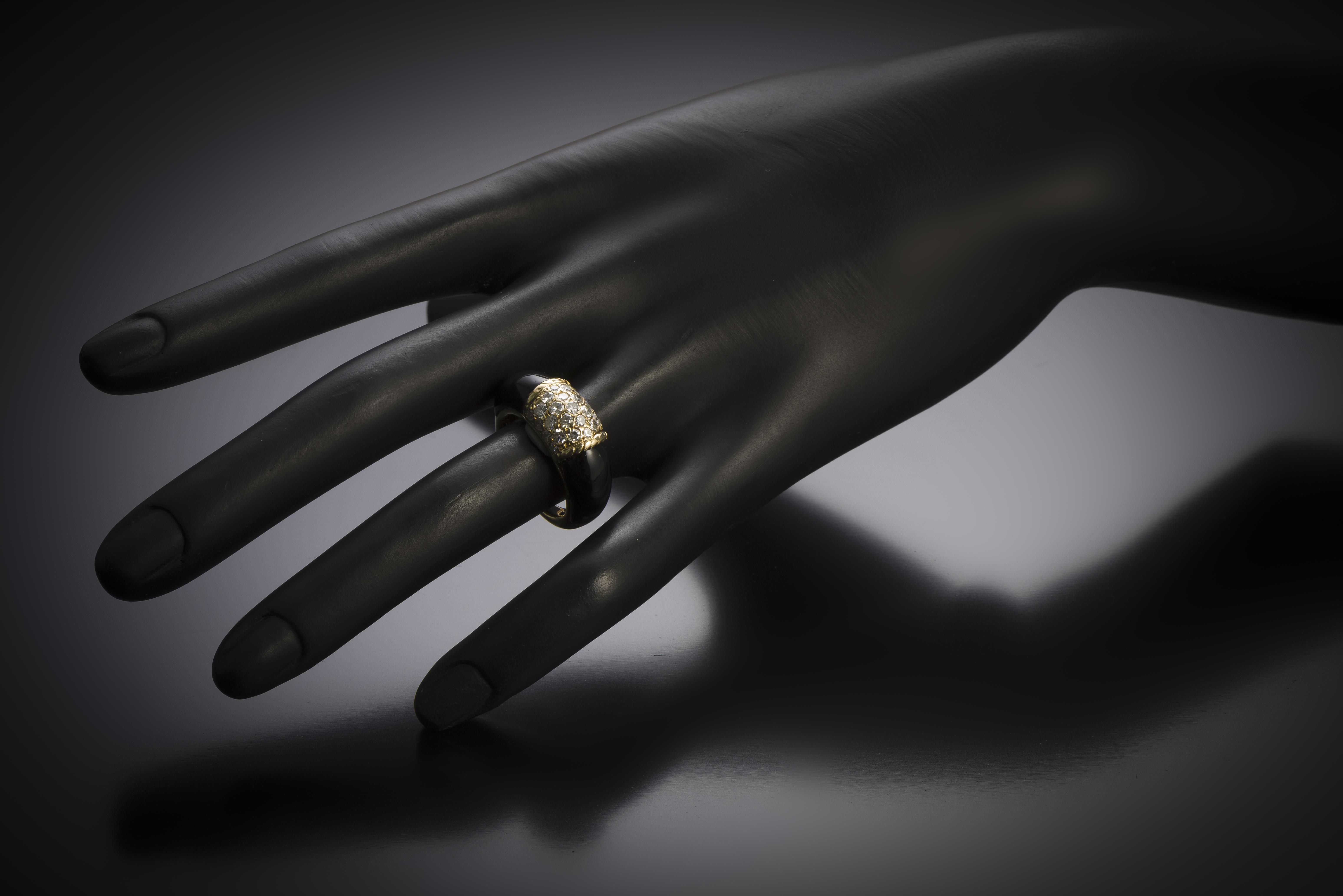 Bague Van Cleef & Arpels « Philippine » diamants onyx (T. 52) vers 1970-2