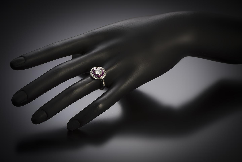Bague Art déco diamants (centre 0,80 carat) rubis calibrés-3