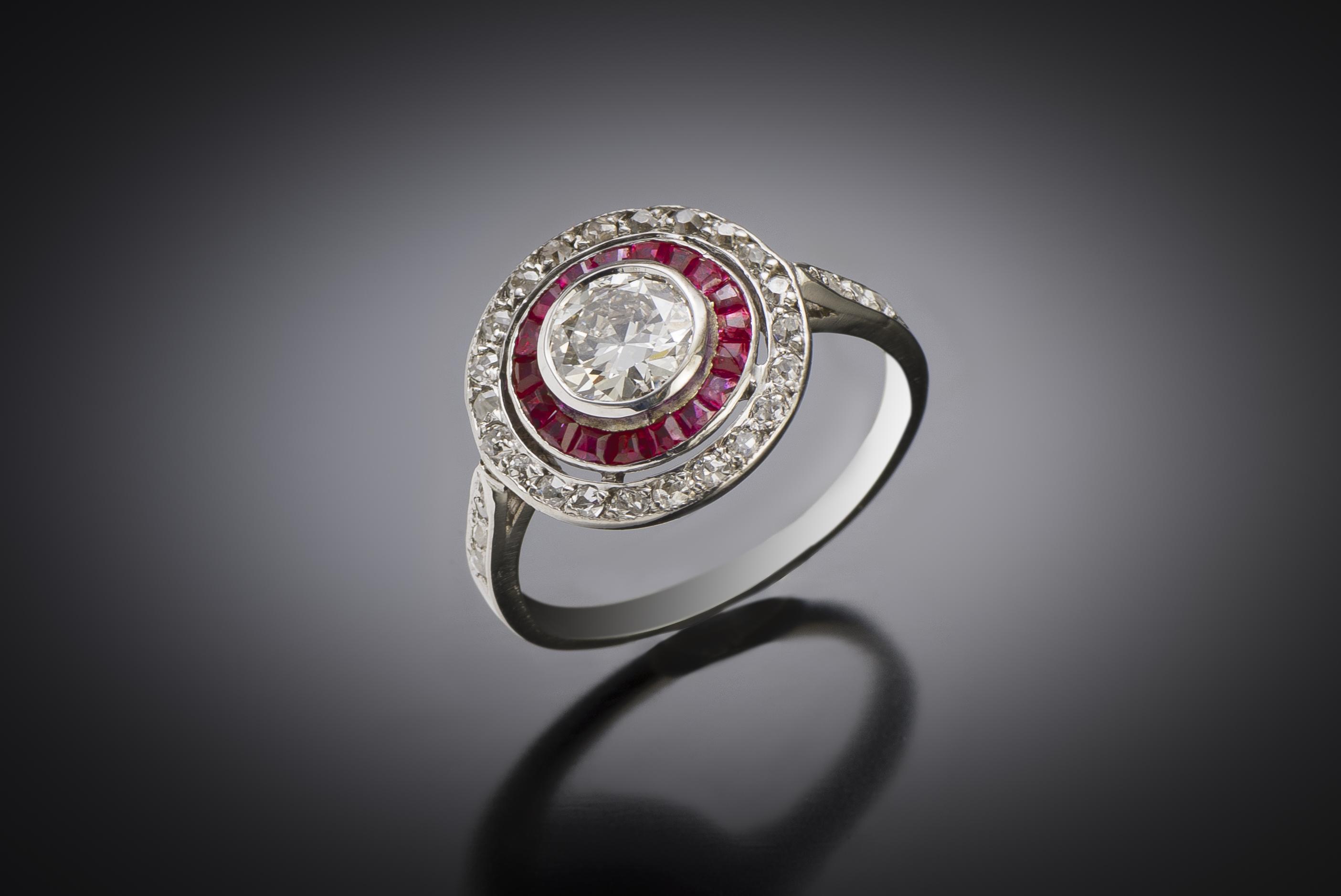 Bague Art déco diamants (centre 0,80 carat) rubis calibrés-1