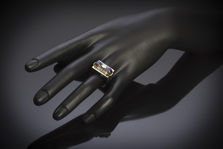Bague « Tank » vers 1940 diamants (1 carat) saphirs calibrés-2