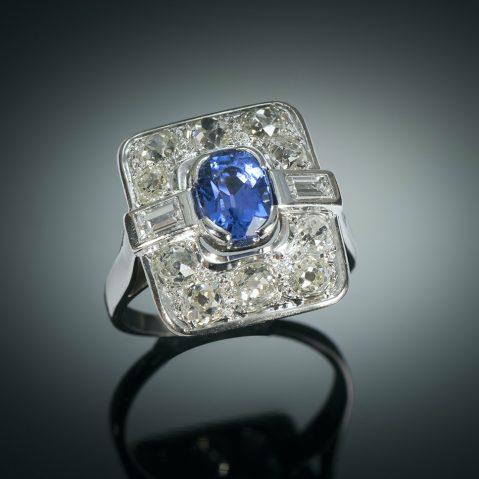 Bague Art déco saphir naturel, non chauffé bleu intense (certificat laboratoire CGL) diamants